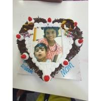 Photo Cake 1 kg Heart Shape